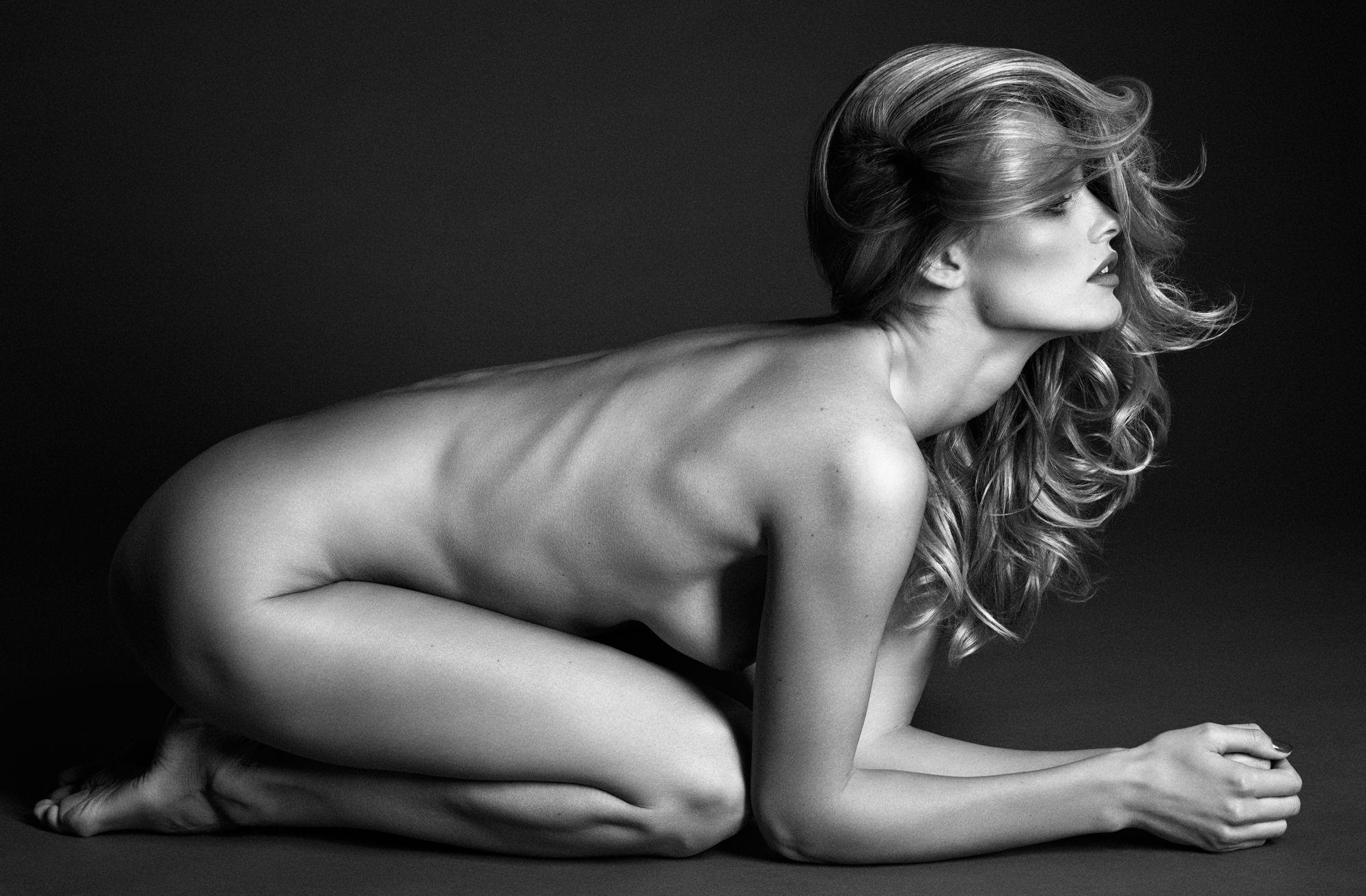 Календарь Pirelli 2012 эротика Эдита Вилкевичуте